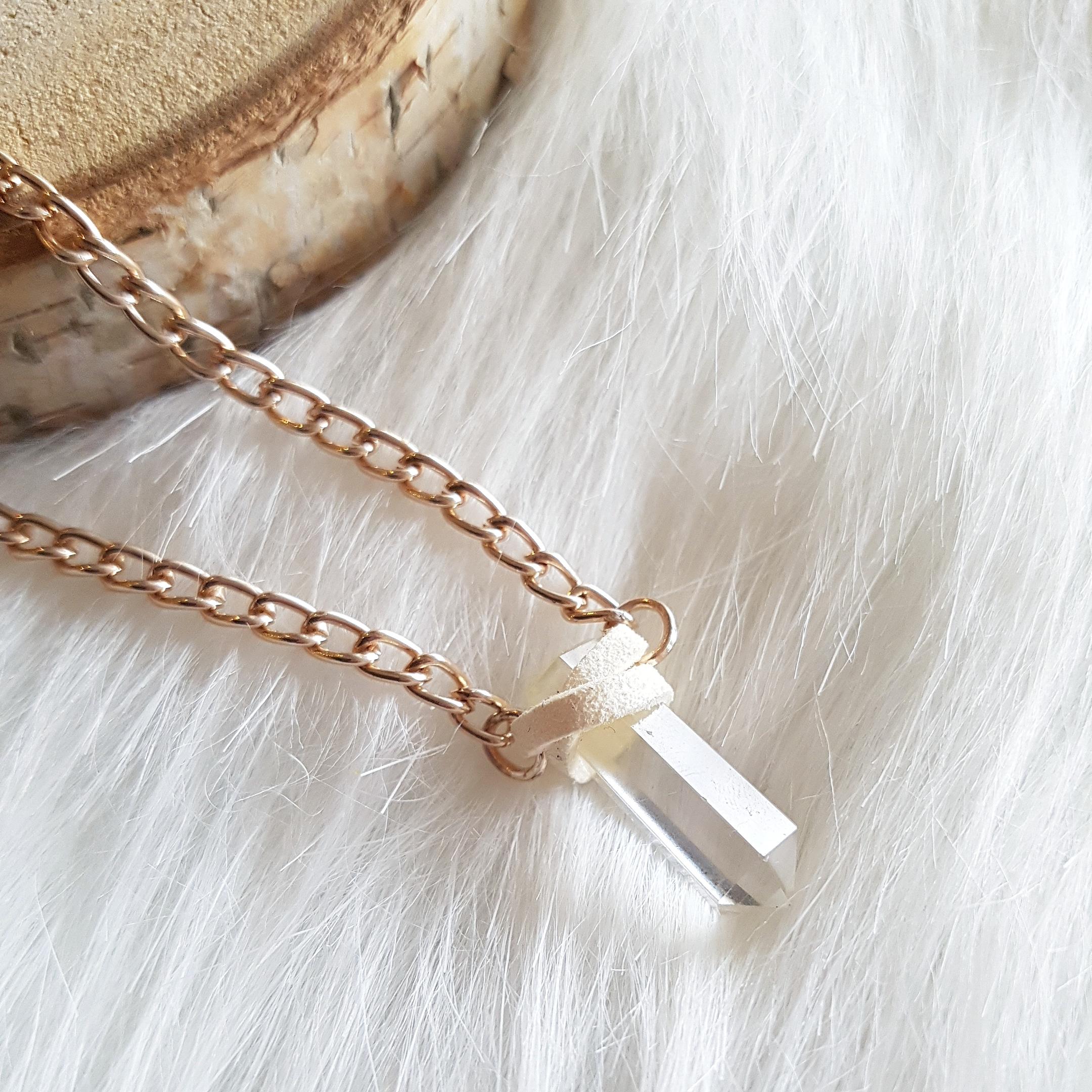 bergkristal punt ketting